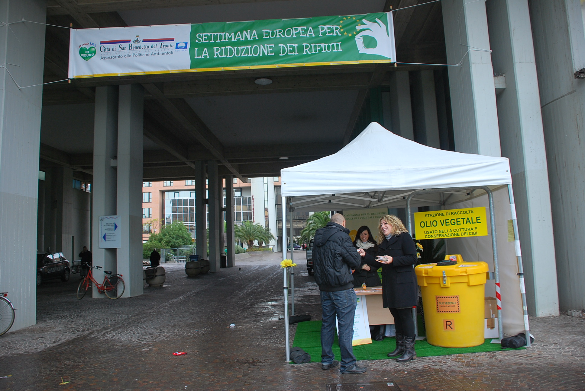 settimana dei rifiuti -la stazione di raccolta per gli oli vegetali esausti