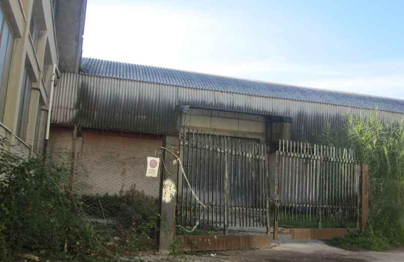 Capannone Remer, cancello