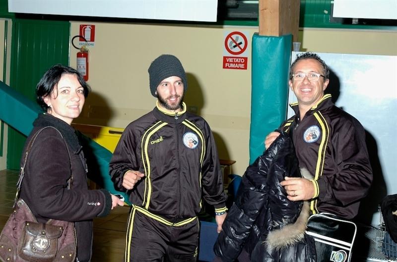 Da sinistra verso destra: la team menager Vannicola Sabrina, il coach Marco Sbernini, il team menager Franceschi Orlandi (fonte www.polsantamaria.it)