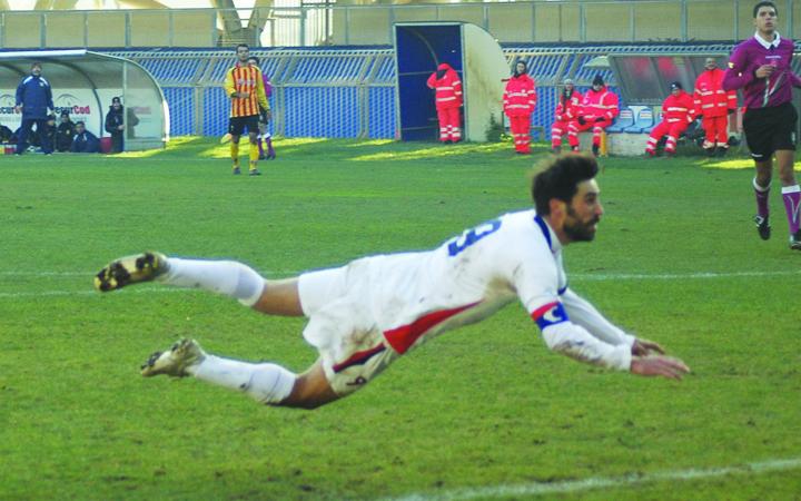 Pazzi segna l'1-0 alla Recanatese (giammusso)