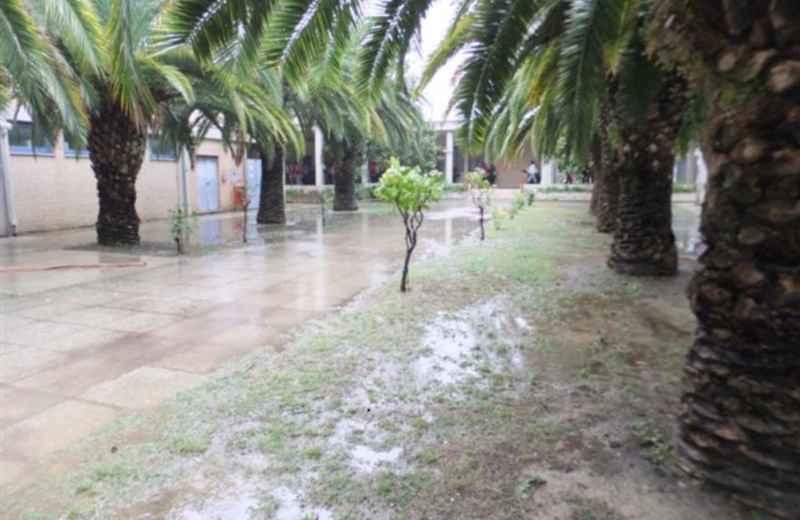 Scuola colleoni se piove si devono saltare le pozzanghere foto riviera oggi - Calzini bagnati febbre ...