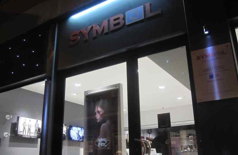 Symbol nuovo negozio sulla nazionale