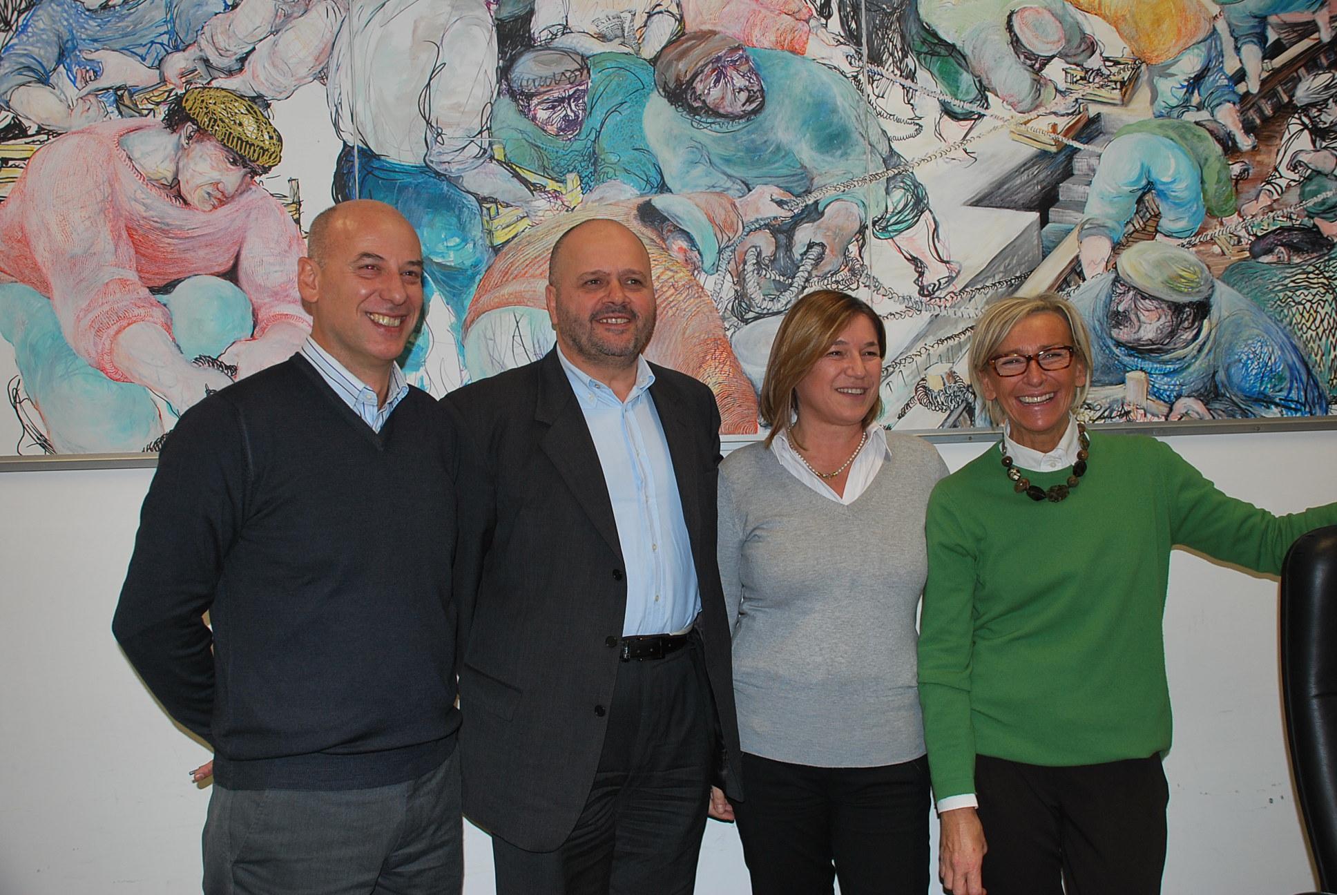 I rappresentanti delle associazioni coinvolte con il sindaco e l'assessore Sorge
