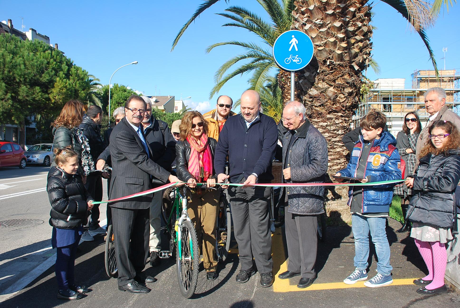 inaugurazione pista ciclabile in Viale dello Sport