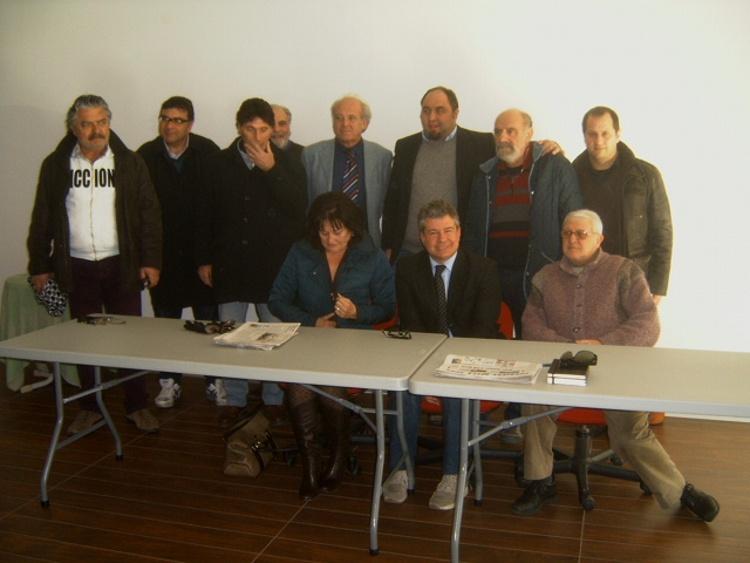 Associazione Culturale T-Rex - Foto di gruppo a termine della conferenza stampa