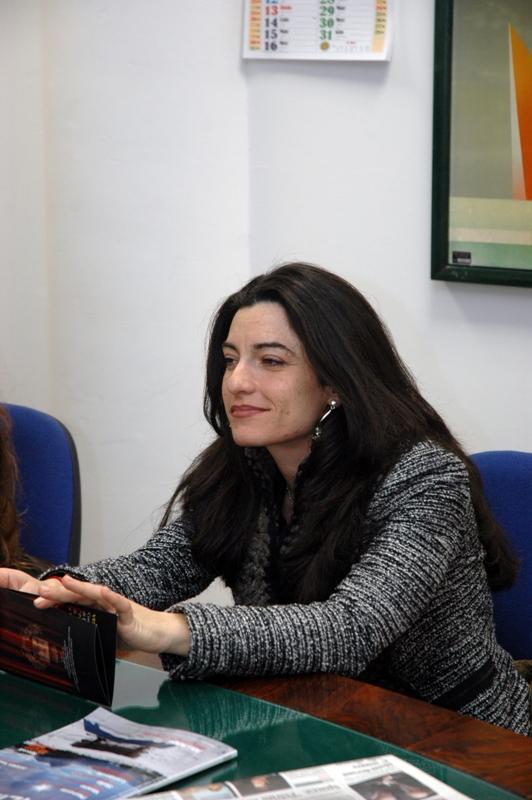 Angela Cesarini presentatrice alla rassegna teatrale