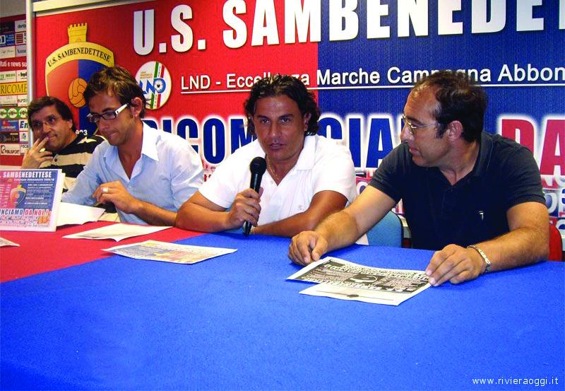 Una foto di archivio con i tre dirigenti Pignotti, Spina e Bartolomei insieme all'addetto stampa Stefano Bruni