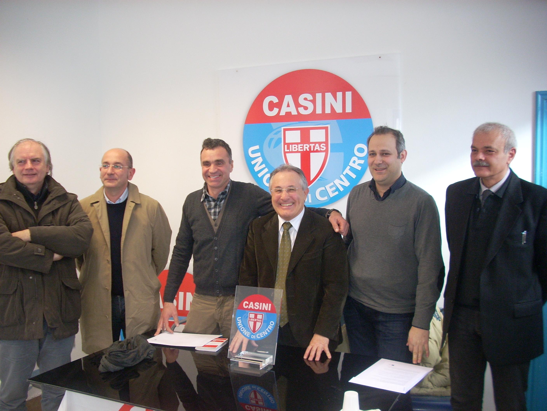 La squadra dell'Udc. Bertolotti è il primo a sinistra
