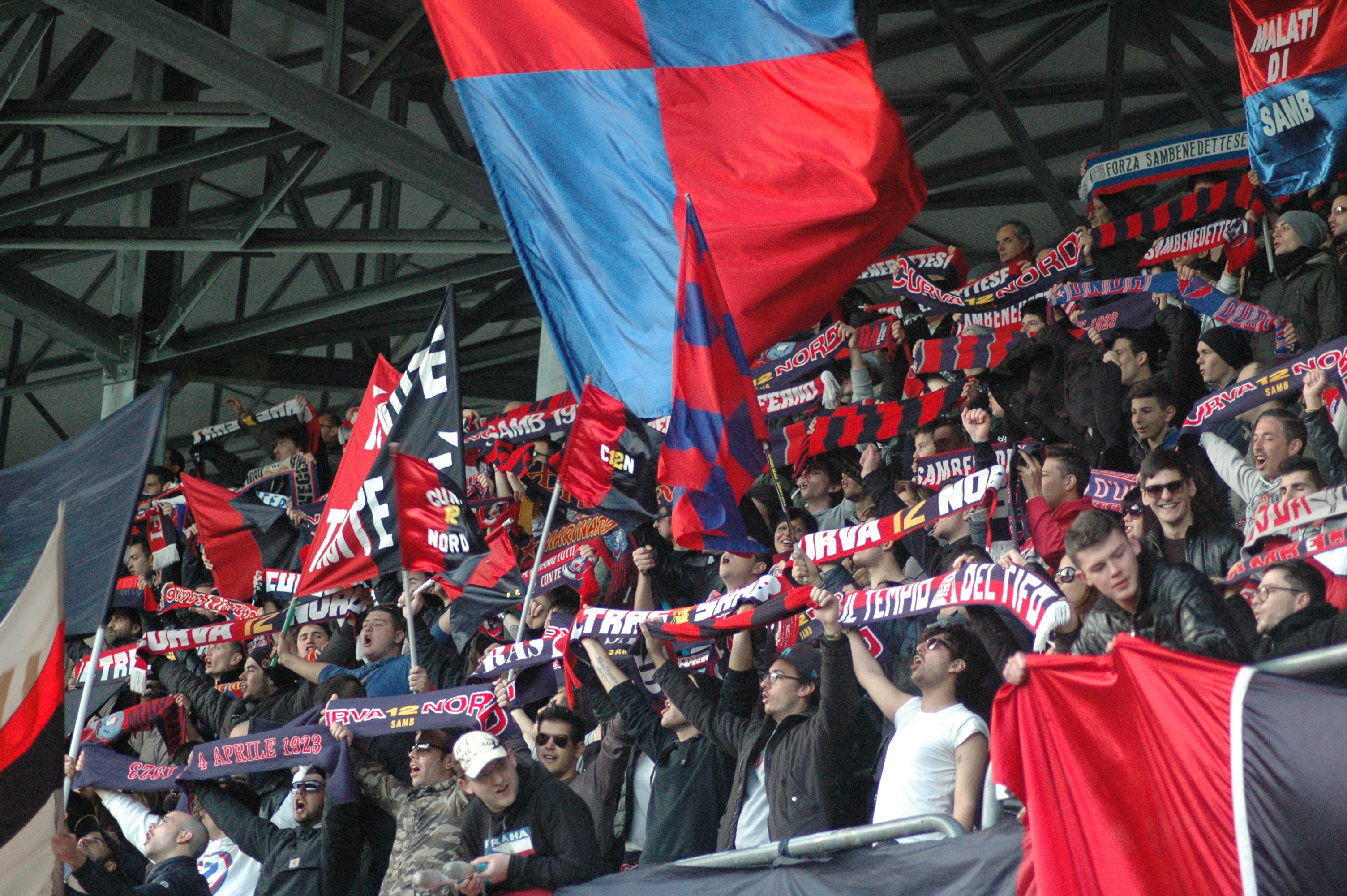 I tifosi della Curva Nord (foto Giammusso)