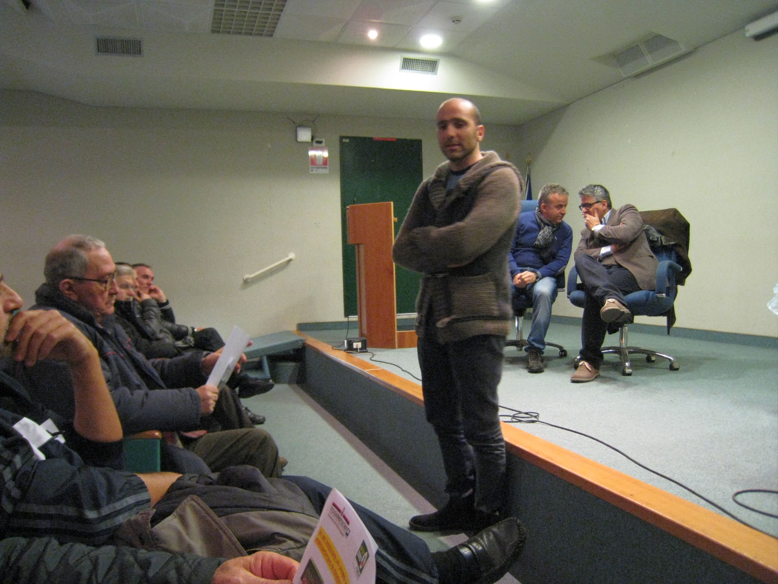 L'assessore Canducci con alle spalle il consigliere Marinucci e l'amministratore di Picenambiente Collina