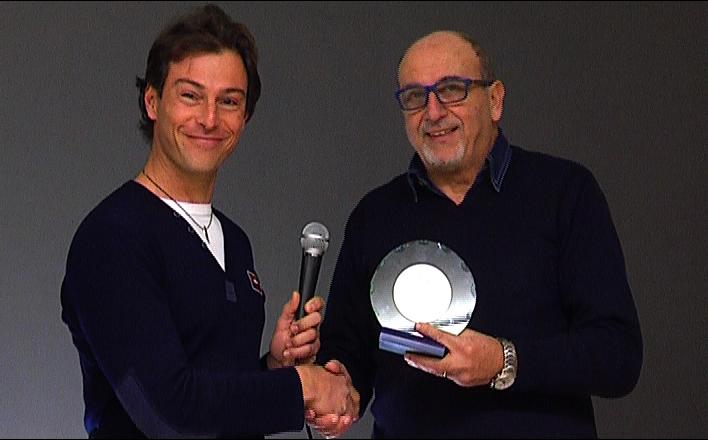 Premiazione Scatta 2012, il vincitore Stefano Buttafoco premiato dal direttore Nazzareno Perotti