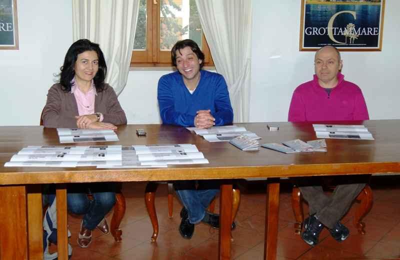 Presentazione del Teatro della Parola. Da sinistra Rita Virgili, Enrico Piergallini e Lucilio Santoni