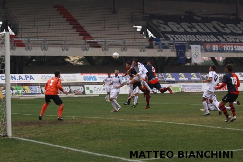 Samb-San Cesareo 3-3 (foto Bianchini) gol Carpani
