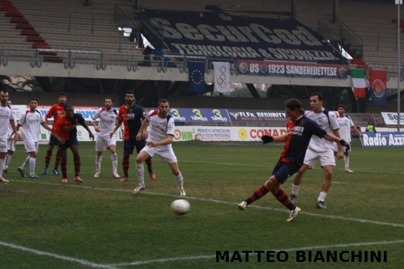 Samb-San Cesareo 3-3 (foto Bianchini) gol di Djibo