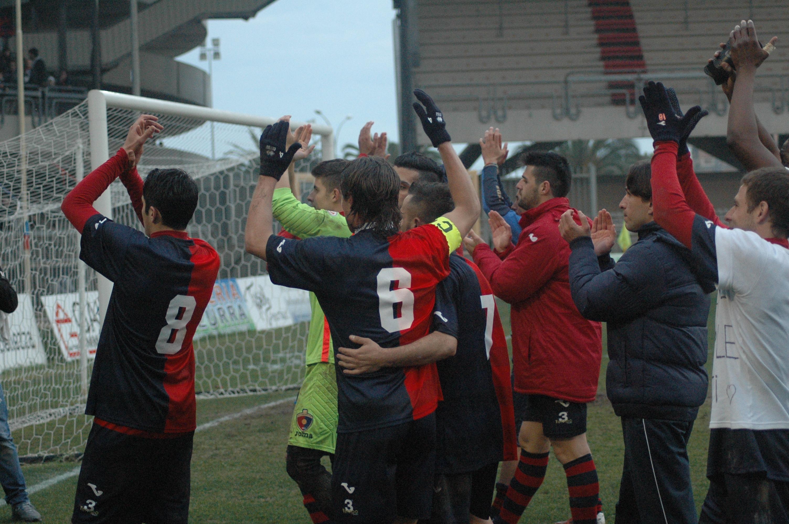 Samb-San Cesareo foto di Giammusso, la squadra saluta i tifosi