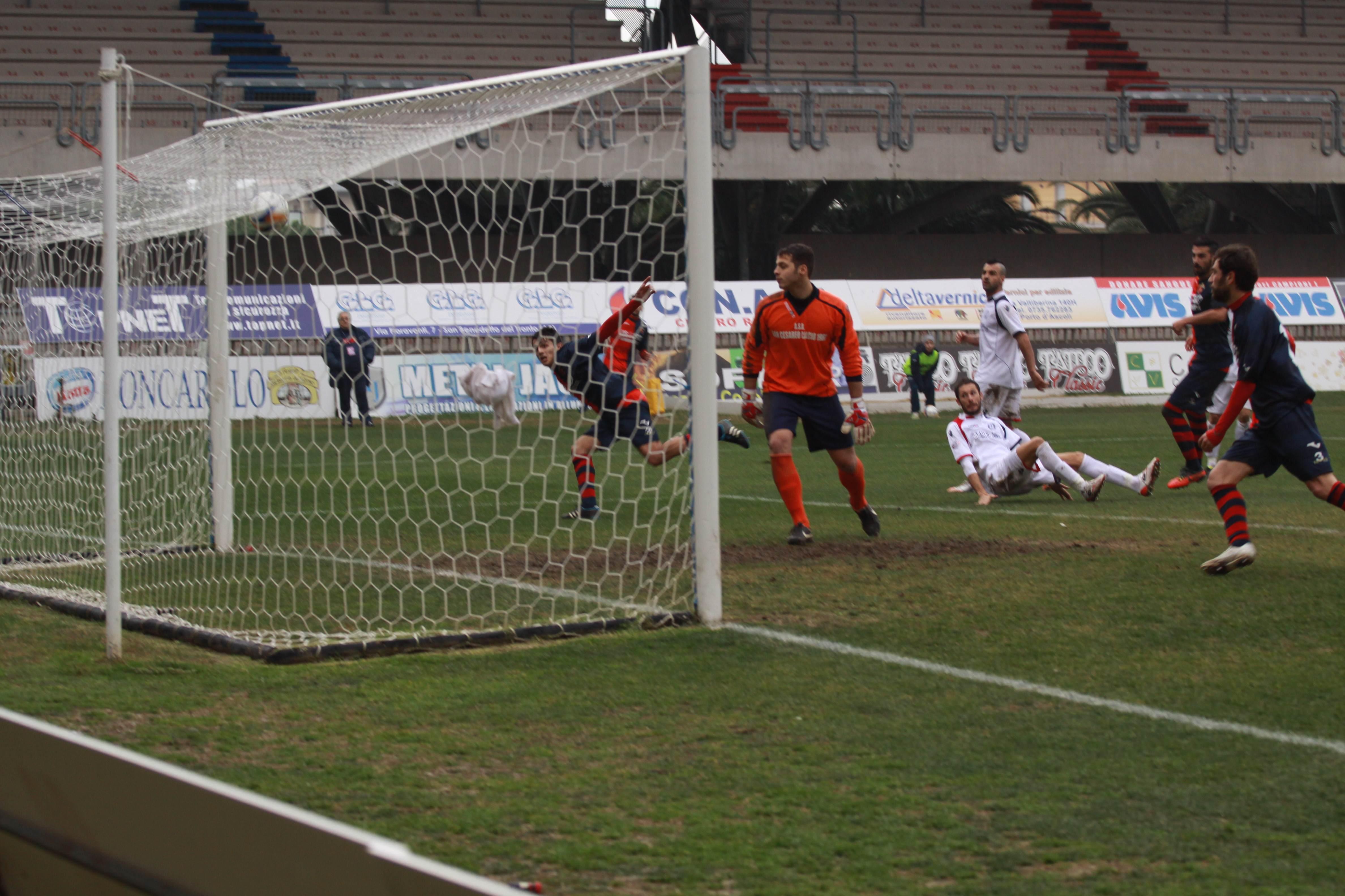Samb-San Cesareo, il gol di Carpani 3 (bianchini)