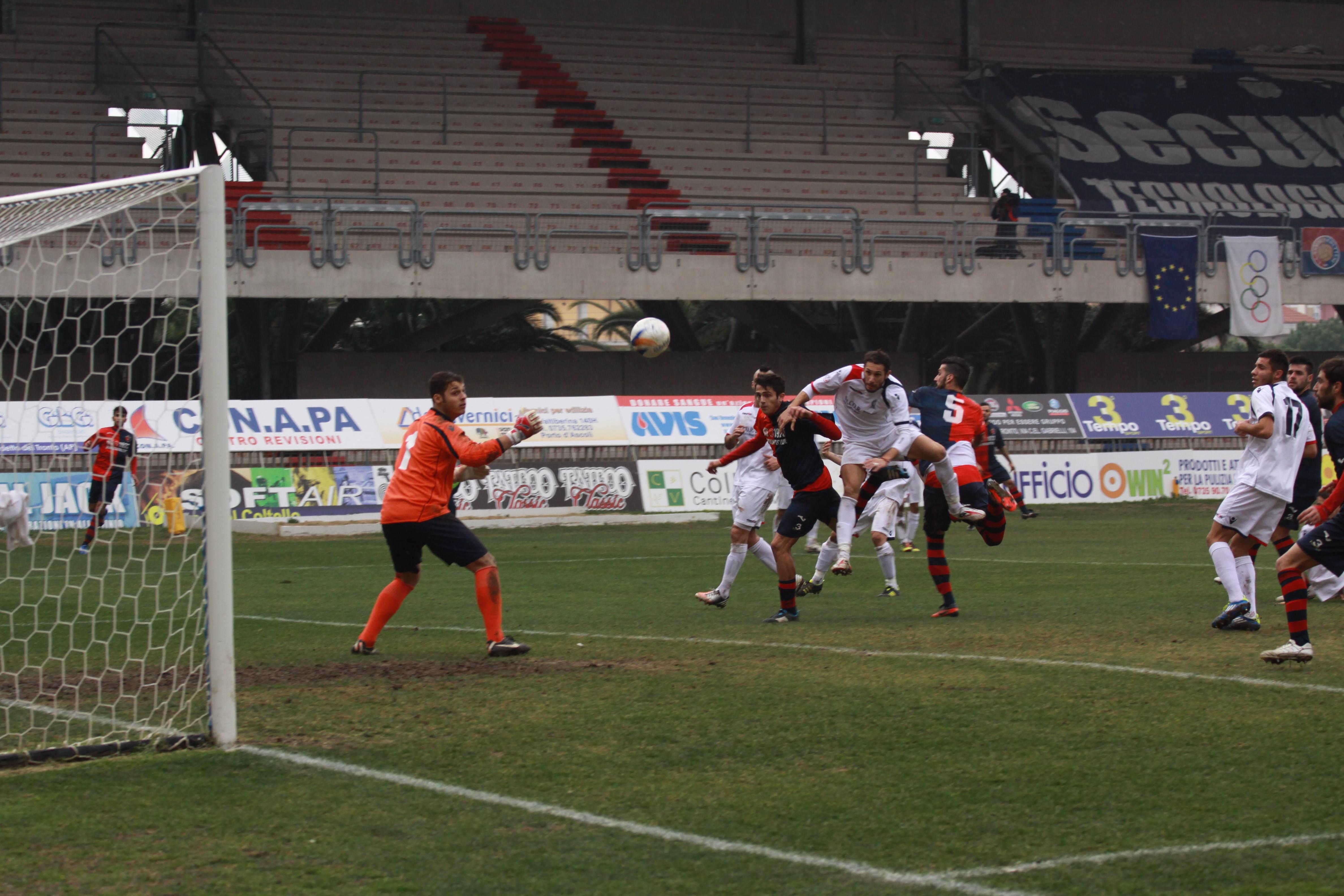 Samb-San Cesareo, il gol di Gianluca Carpani (bianchini)