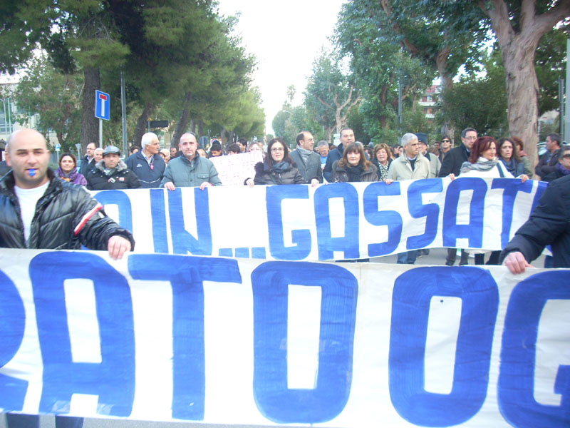 Corteo anti Gas Plus