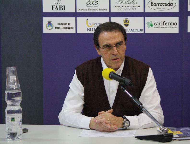 L'allenatore Recalcati in conferenza stampa