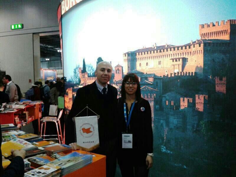 L'assessore al Turismo del Comune di Grottammare Simone Splendiani e l'assessore al Turismo del Comune di Acquaviva Elisabetta Rossi