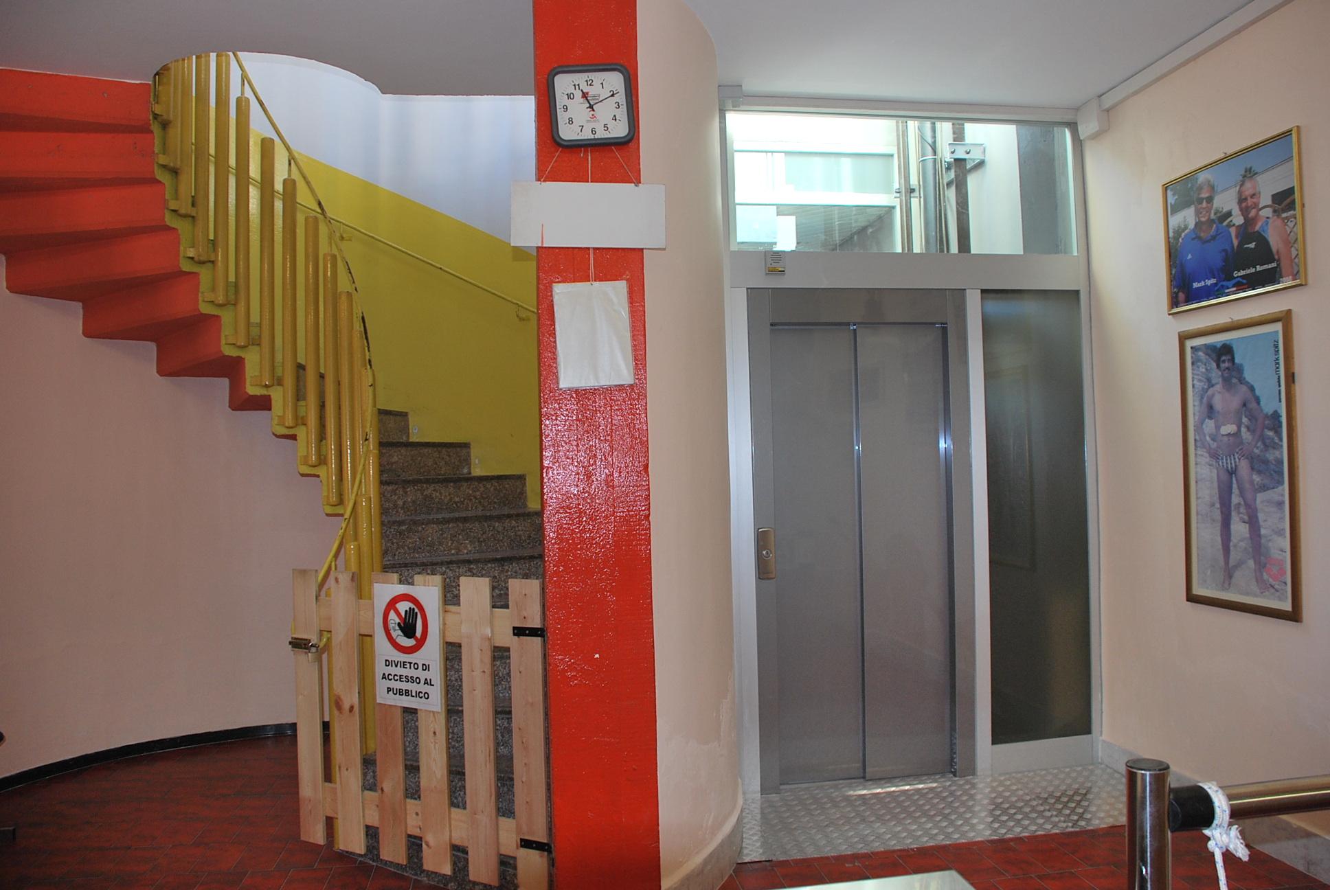 L'ascensore della piscina al piano terra
