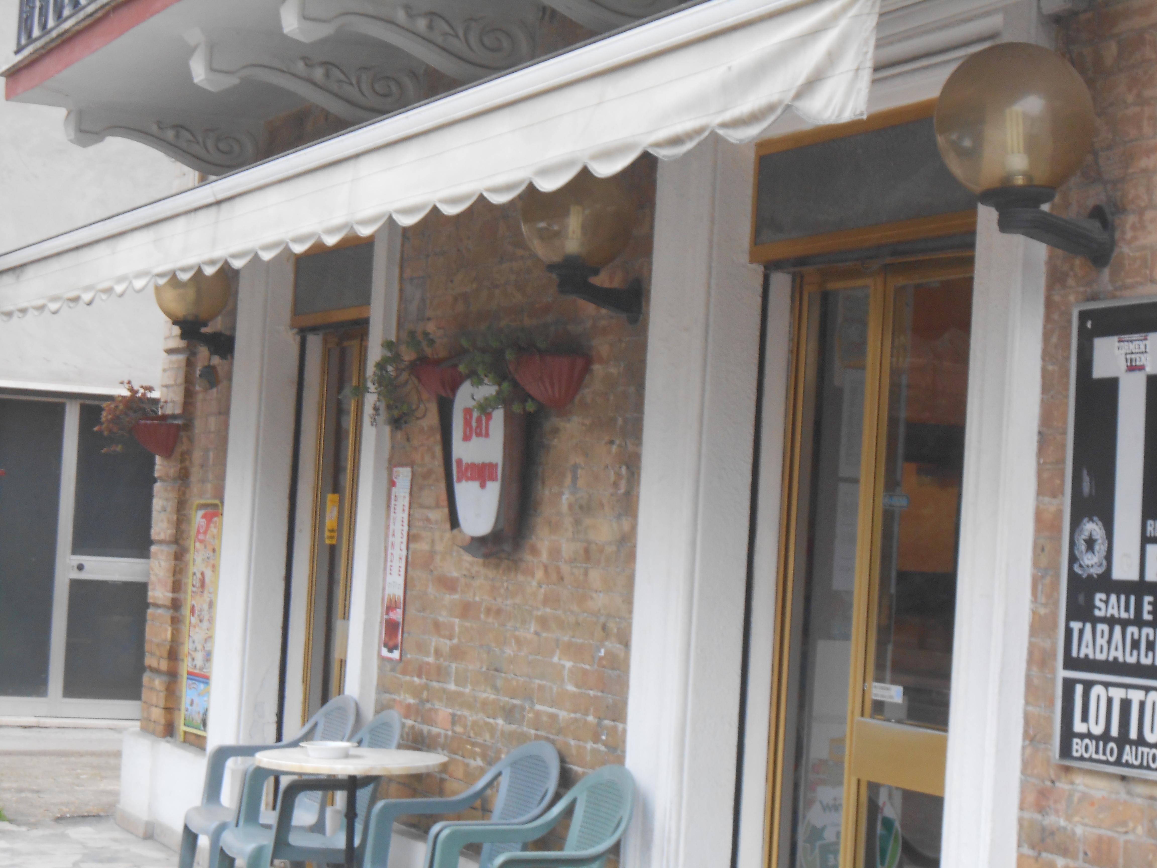 Il Bar Benigni sulla Salaria a Stella.