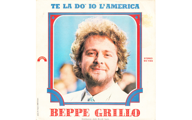 Era l'inizio degli anni 80 e lui era un giovane comico emergente, Beppe Grillo con Te la do io l'America