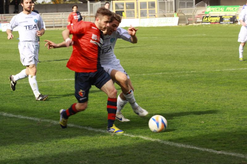 Samb-Celano (3-0), Forgione nell'azione che porterà all'assist per Napolano. Foto Bianchini