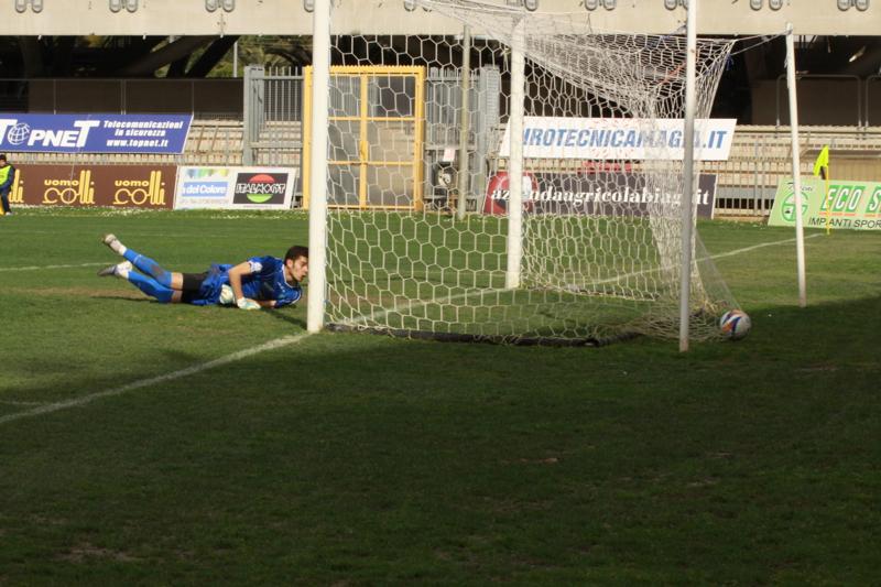 Samb-Celano (3-0), il raddoppio di Forgione. Foto Bianchini