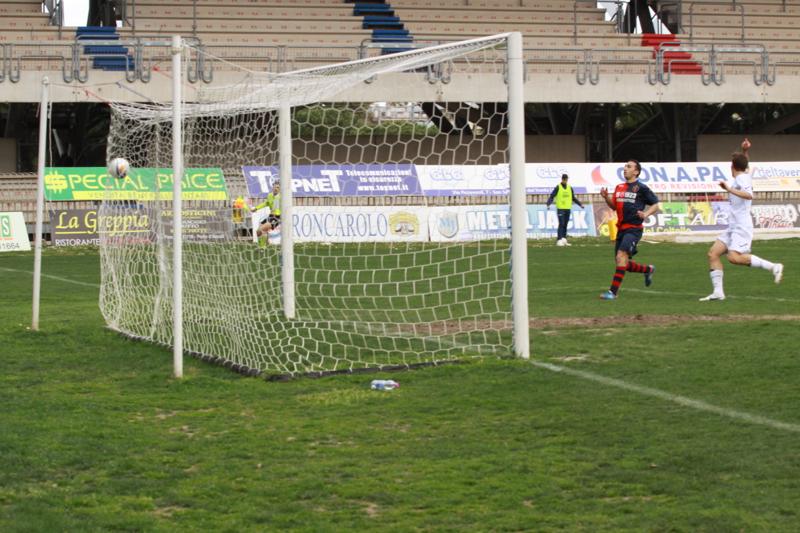 Samb-Celano (3-0), Forgione ancora in gol per il 3-0. Foto Bianchini