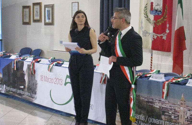 La giornalista Stefania Serino e il sindaco Paolo Camaioni