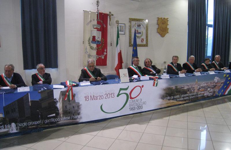 Gli ex sindaci di Martinsicuro in sala consiliare per i cinquant'anni del Comune