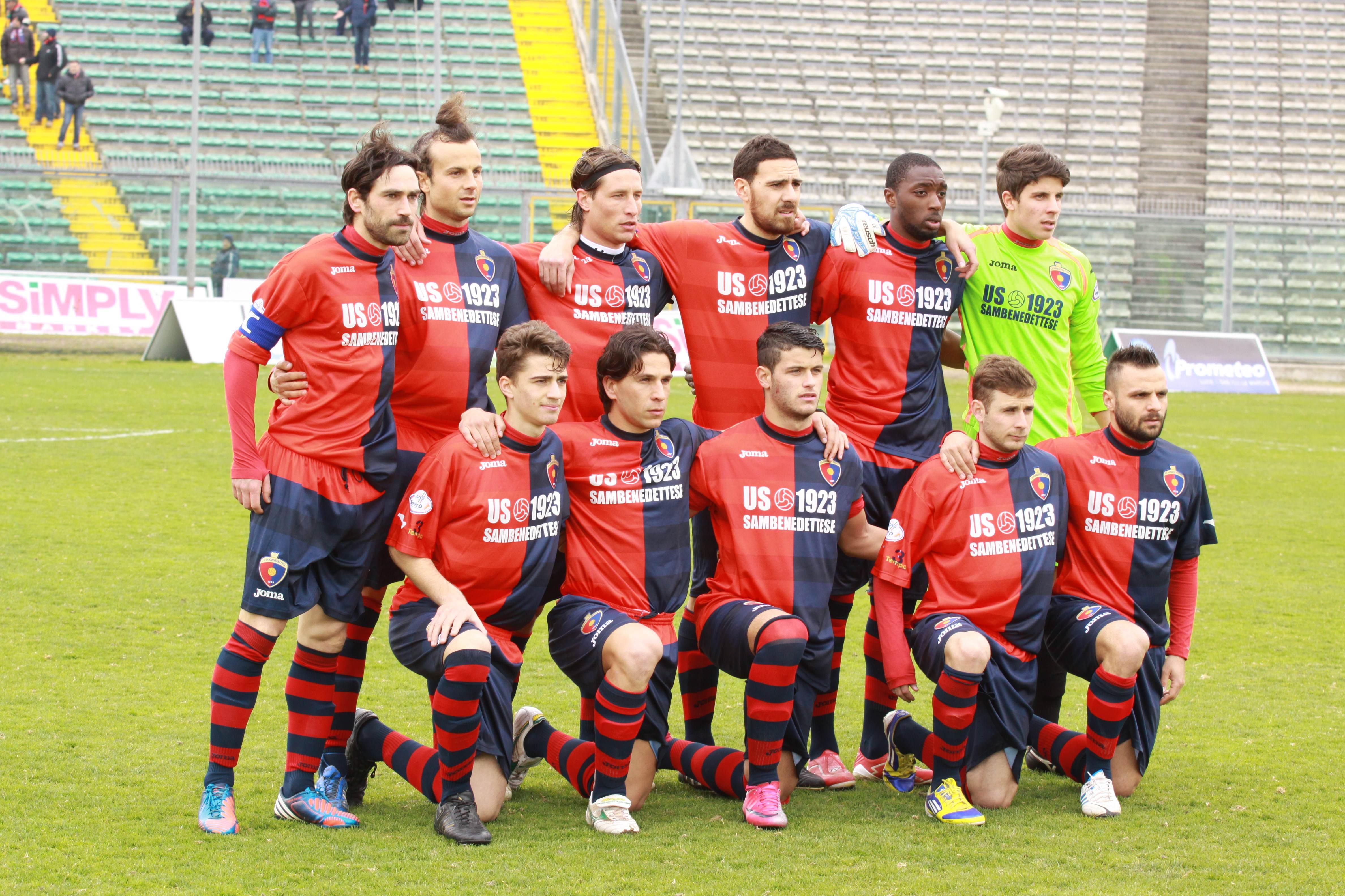 La Samb scesa in campo ad Ancona (bianchini)