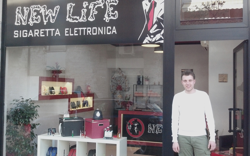 New Life, sigaretta elettronica, in via Velino 5 a Porto d'Ascoli