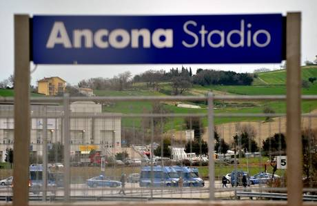 Calcio: incidenti stadio Ancona