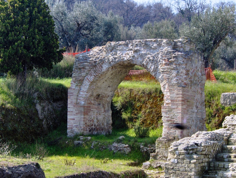Un particolare del parco archeologico cupra