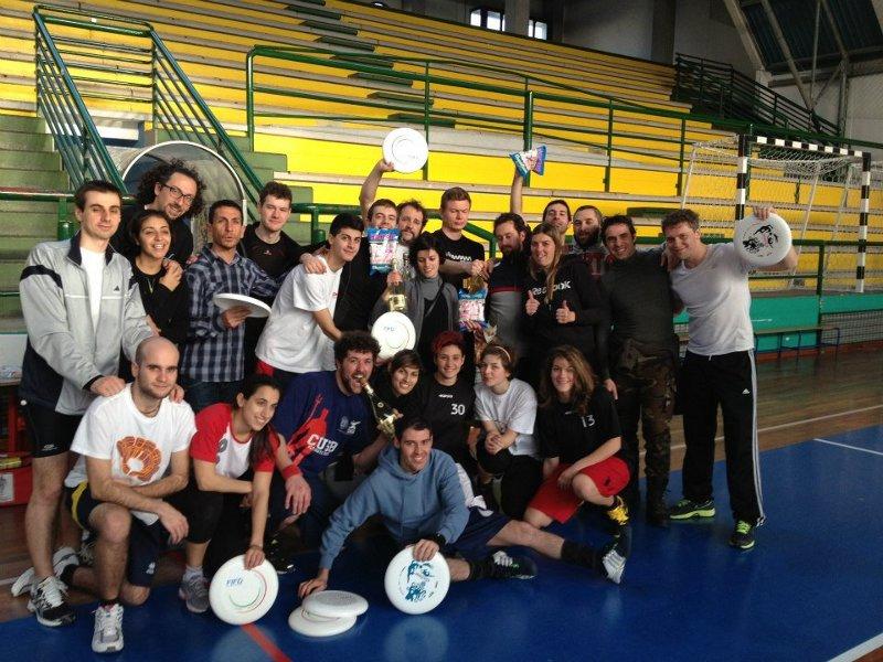 Disc8 2013 - Foto di gruppo finale con i partecipanti al torneo