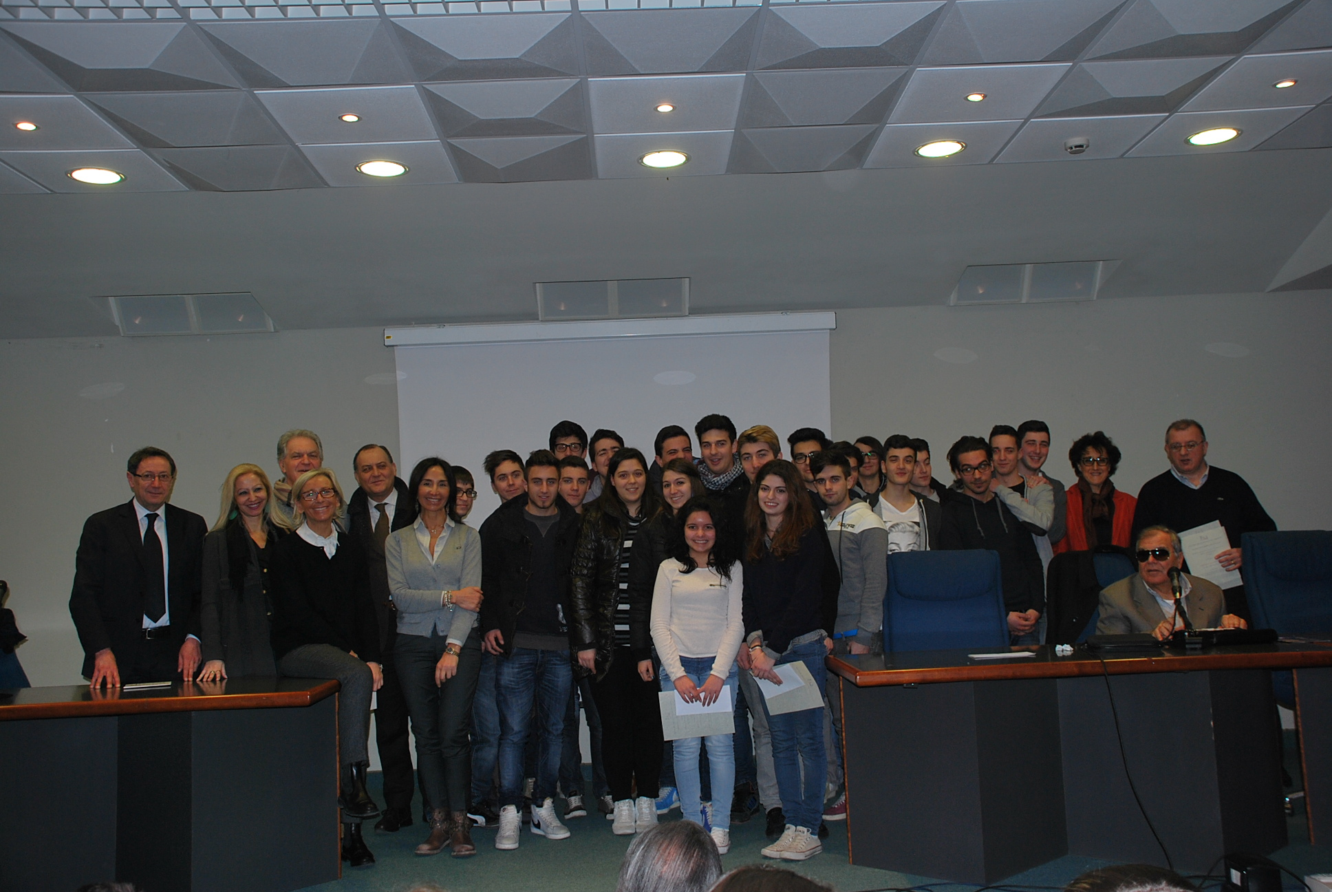 Gli studenti dell'Itc Capriotti