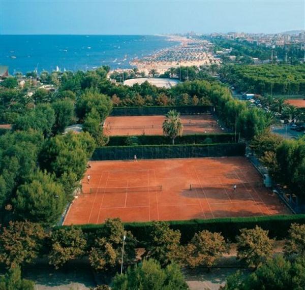 Il Circolo Tennis Maggioni (fonte www.ctmaggioni.com)