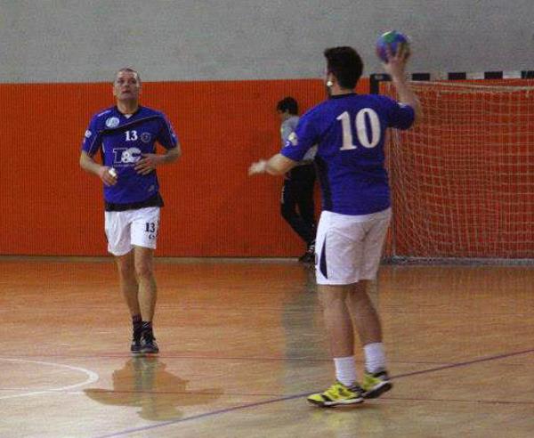 Un azione di gioco dell'Handball Club