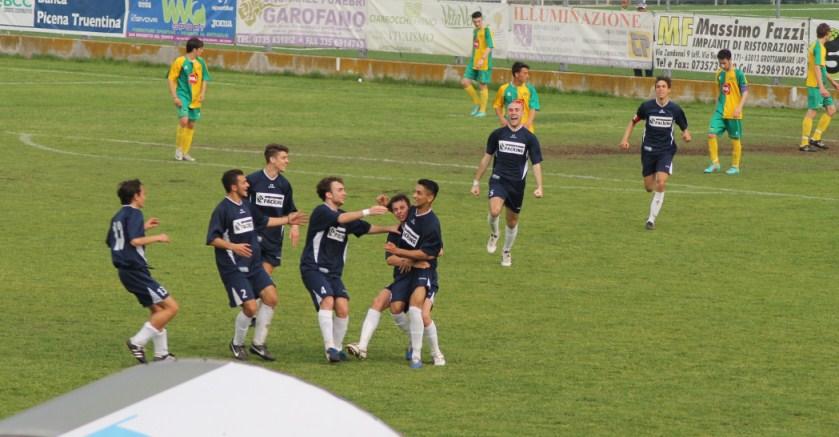 Esultanza  dopo il gol del Grottammare Juniores