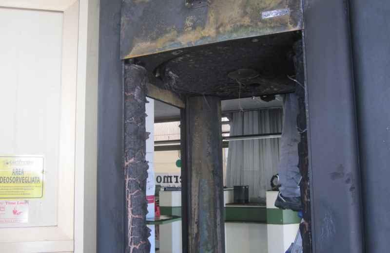 Incendio alla Carifermo (5)