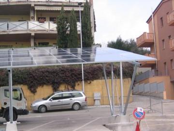 Pensilina fotovoltaica a Recanati, piazzale Menahem