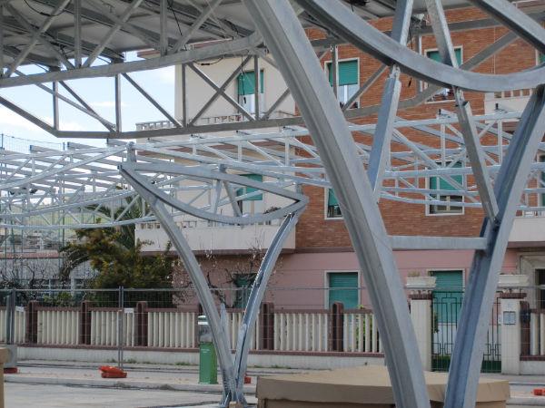 Pensiline fotovoltaiche in Piazza del Pescatore