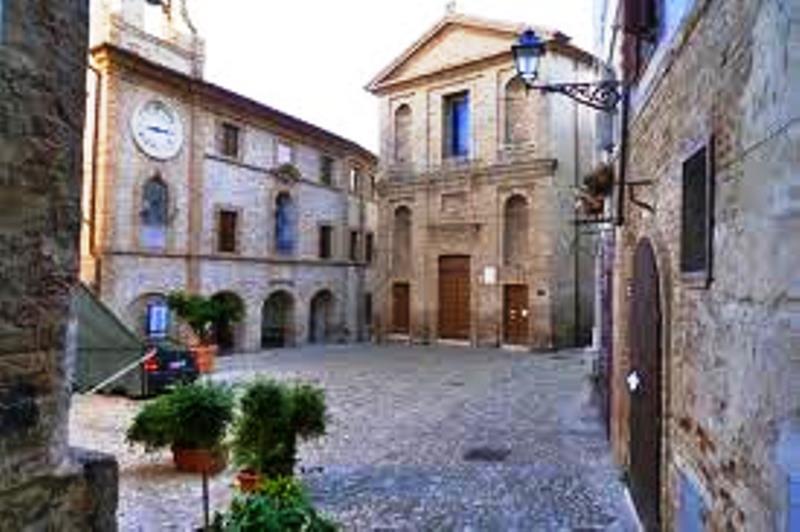 Piazza Peretti fote geolocation