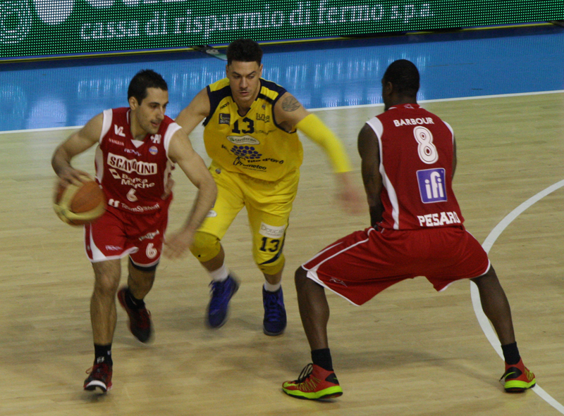 Pick 'n roll di Stipcevic e Barbour