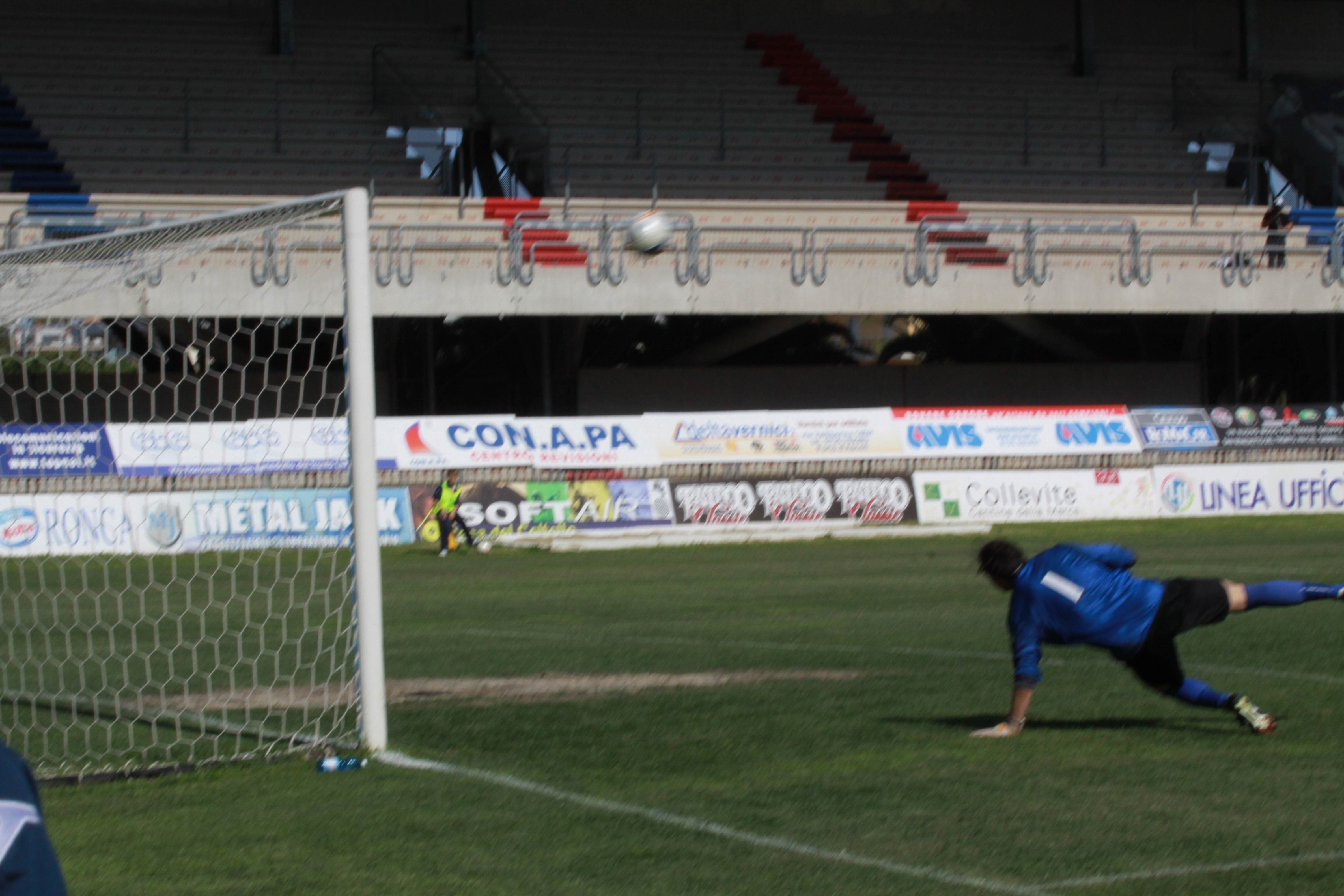 Samb-Isernia gol di Santoni 2 (bianchini)