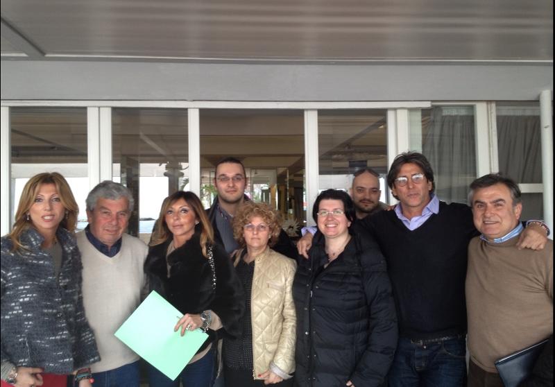 Foto di gruppo della neonata Consulta al termine della riunione