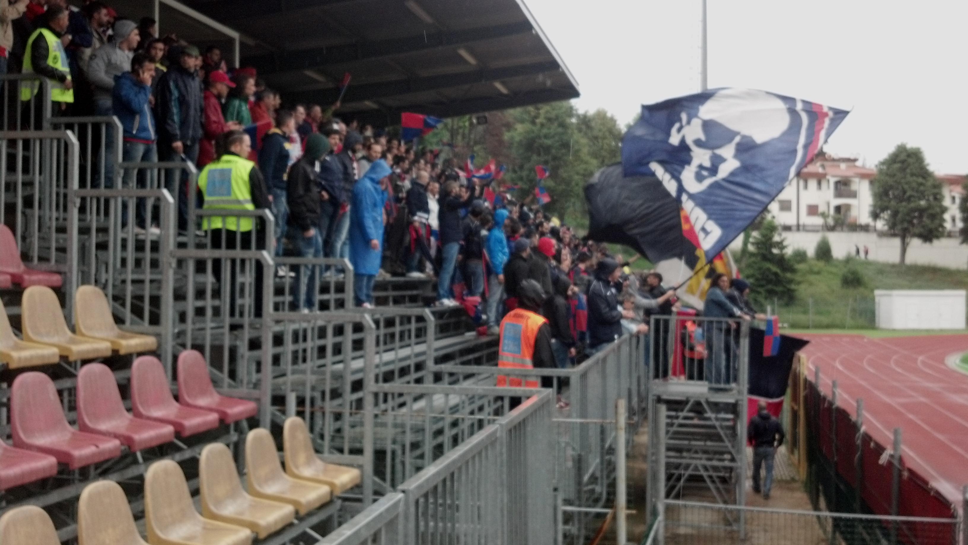 I tifosi rossoblu giunti a Recanati
