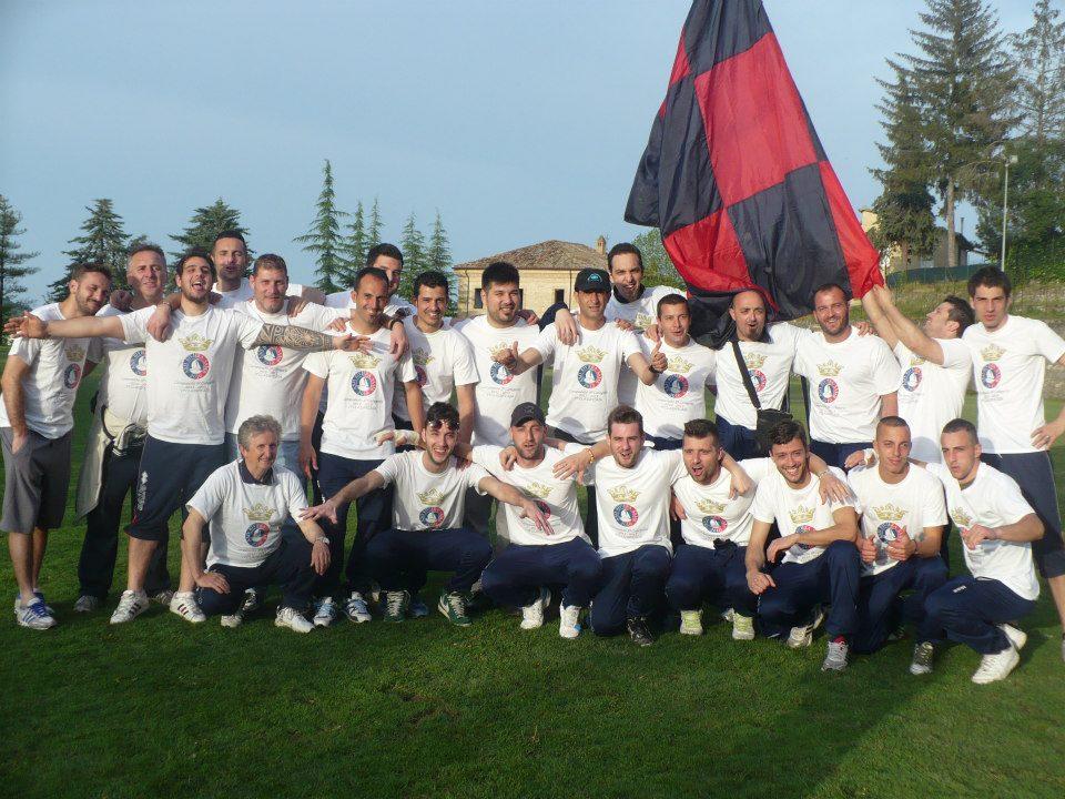 La squadra della Riviera Samb, vincitrice del campionato di Terza Categoria